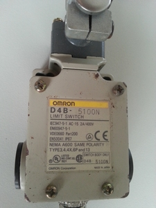 D4B - 5100N Limit switch Omron