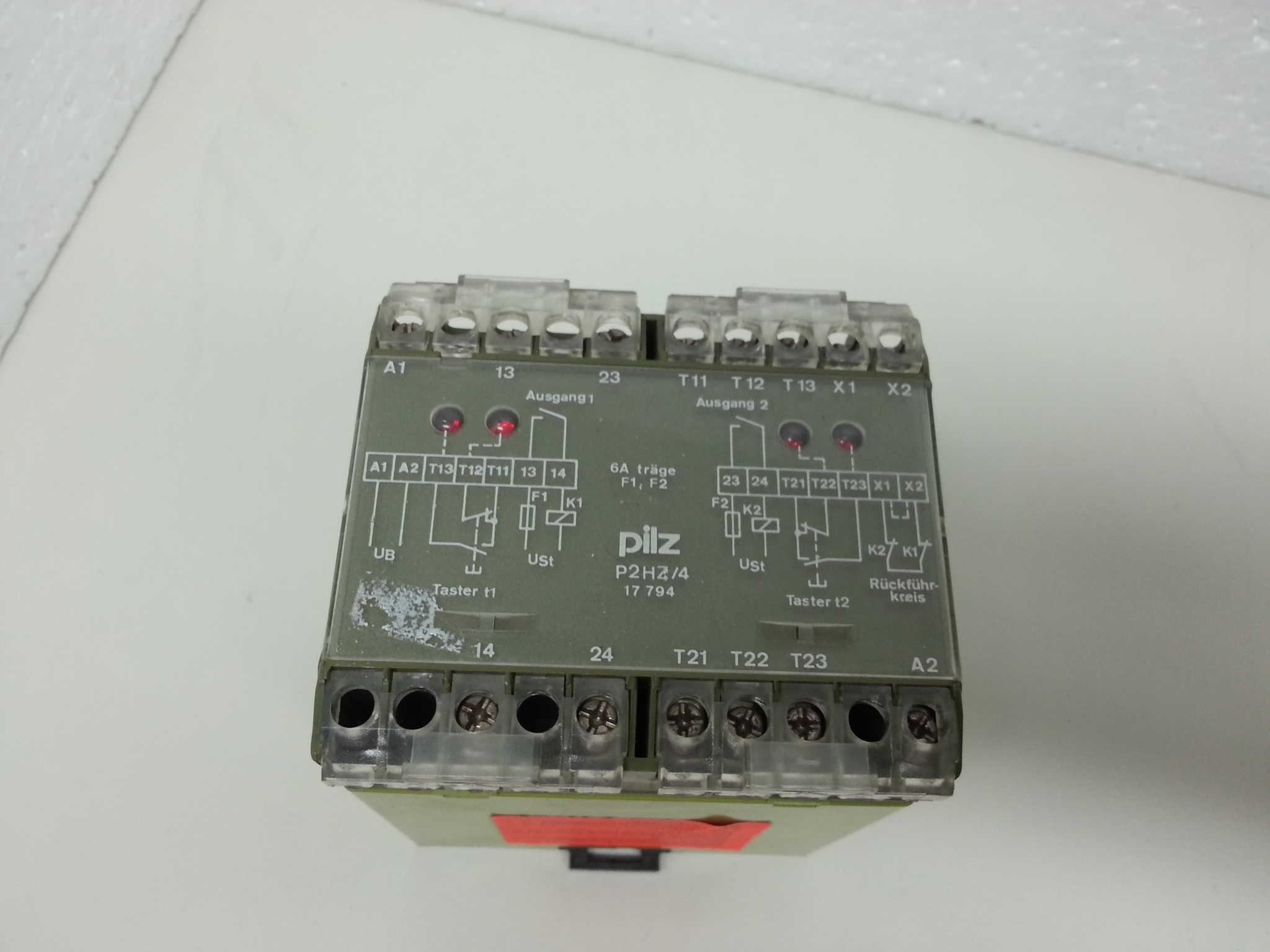 P2HZ4 17794 24Vdc Pilz safety relay